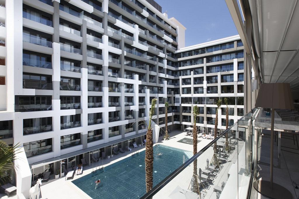 fachada-hotel-poraxa